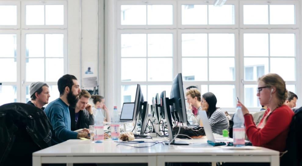 Pokolenie Y: Pracownicy powinni móc pochwalić się pracą w firmie