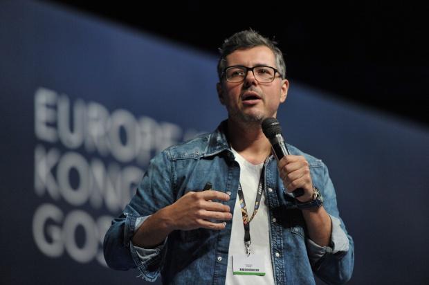 Sebastian Kotow podczas European Start-Up Days w Katowicach. (fot. PTWP)