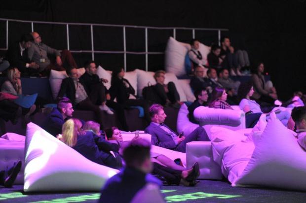 Słuchacze wystąpienia Kotowa podczas European Start-Up Days mogli wygodnie