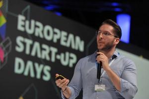 """Polski start-up o Afryce: """"To kontynent rządzony przez komórki"""""""