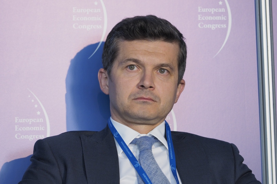 Studia, dyplom cały czas są ważne - uważa Paweł Barański z KPMG.