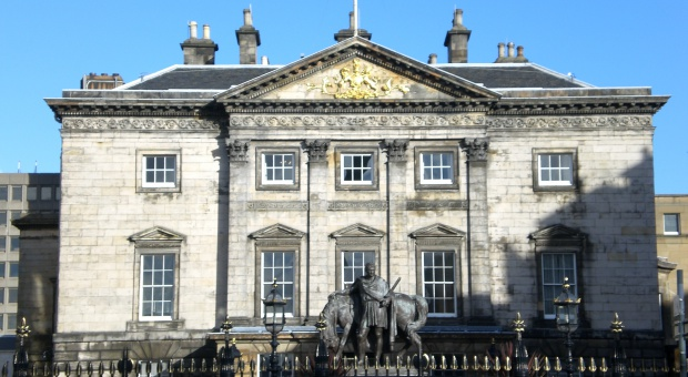 Royal Bank of Scotland tnie kolejne miejsca pracy