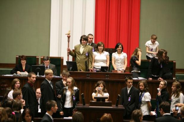 Raz do roku, 1 czerwca odbywa się Sejm Dzieci i Młodzieży. (fot. poznaj.sejm.gov.pl)