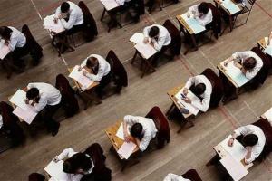 Maturzyści będą ponownie zdawać egzamin