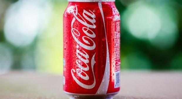 Coca-Cola, wynagrodzenia: Pracownicy nie dostali wypłat. Przez brak cukru