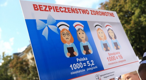 Pielęgniarki i położne apelują do premier Szydło