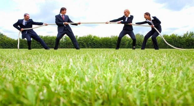 Rekrutacja: Firmy są gotowe zapłacić za  polecenie odpowiedniego kandydata do pracy
