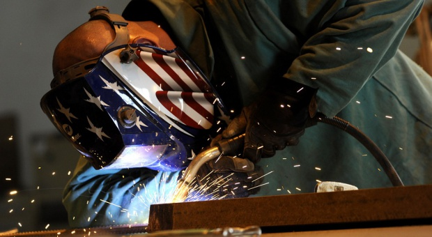 Wojaczek: Potrzebujemy pracowników do obsługi nowoczesnych fabryk. Pomogą studia zawodowe