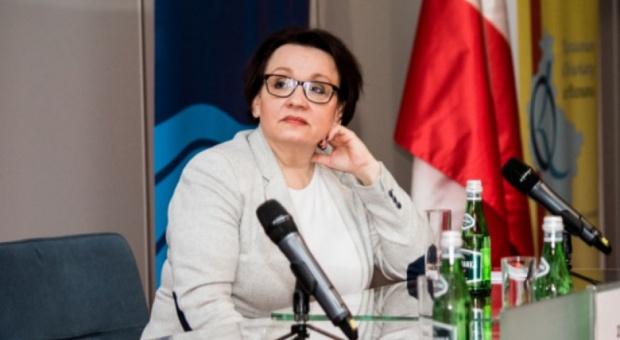 Minister Zalewska zapowiada: Nauczyciele przejdą szkolenia. Zmieni się też ich czas pracy