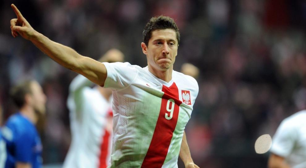 """Euro 2016: Za kibicowanie Lewandowskiemu i spółce pracownicy nie muszą dostawać """"czerwonych kartek"""""""