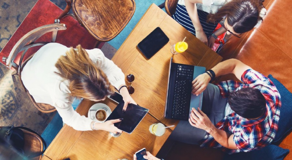 Staże i praktyki: Przy wyborze stażu kluczowy jest prestiż firmy, a nie wynagrodzenie