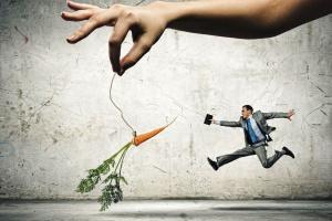 Krytyka szefa zabija chęć do pracy. Jak skutecznie motywować?