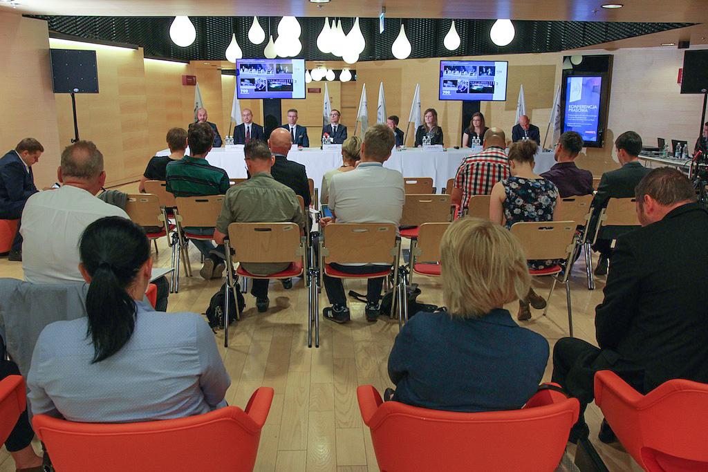 W ramach drugiej edycji projektu EEC – Liderzy Przyszłości (EEC – Leaders of Tomorrow), studenci i absolwenci wzięli udział w wykładach otwartych, uczestniczyli jako słuchacze, a także prelegenci (fot.PTWP)