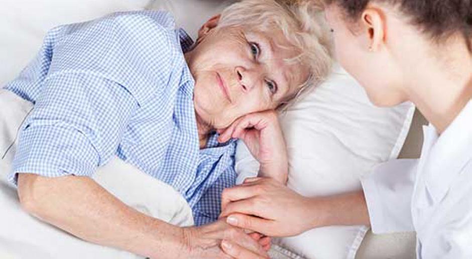 Toruń: Pomoc dla seniorów, praca dla pielęgniarek i opiekunów