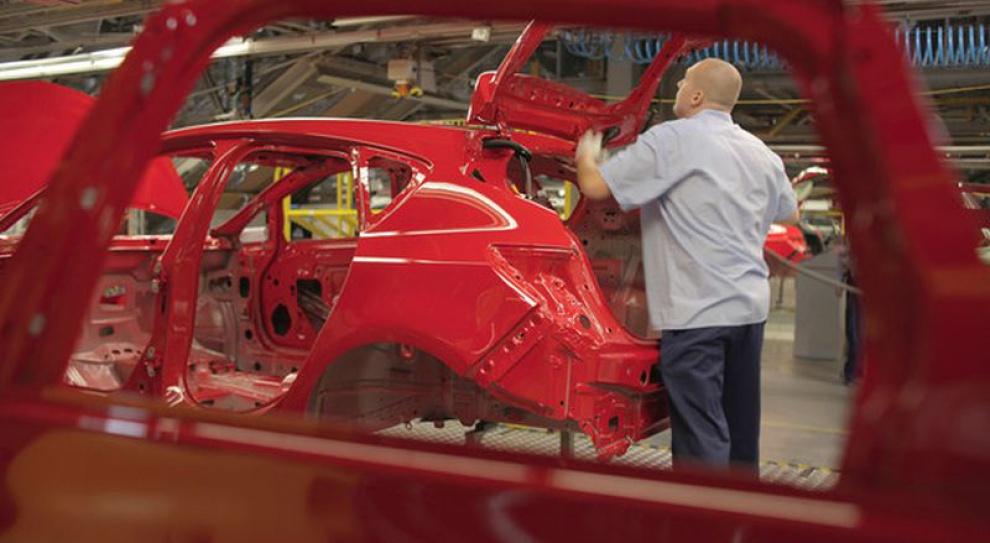 Branża motoryzacyjna, praca: Potrzebni pracownicy na stanowiska produkcyjne i menadżerowie