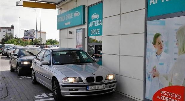 Apteka typu drive-thru, Gdańsk: Powstała apteka specjalnie dla... kierowców