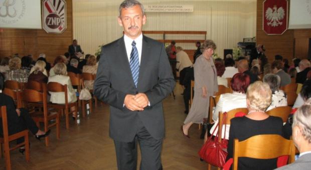 Zmiany w oświacie, Broniarz: Minister czeka z ogłoszeniem zmian. Żyjemy w niepewności