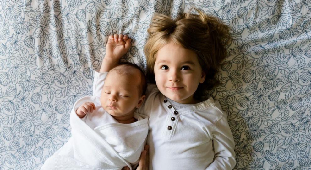 Coraz więcej pracowników korzysta z urlopu rodzicielskiego