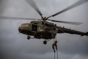Oficerowie i wojskowi zatrzymani za oszustwa w związku z wypłatami dla żołnierzy