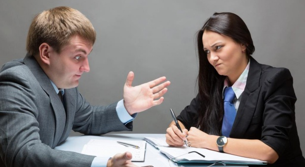Rekrutacja, zły szef: Takie zachowanie pracodawcy powinno niepokoić