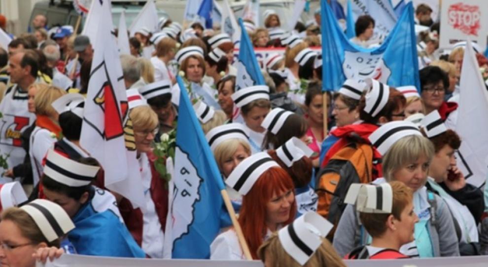 Strajk: Pielęgniarki protestują. Nie chcą zmian w podstawowej opiece zdrowotnej