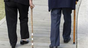 OPZZ niezadowolone z projektu ustawy ws. wieku emerytalnego. Zapowiada protesty