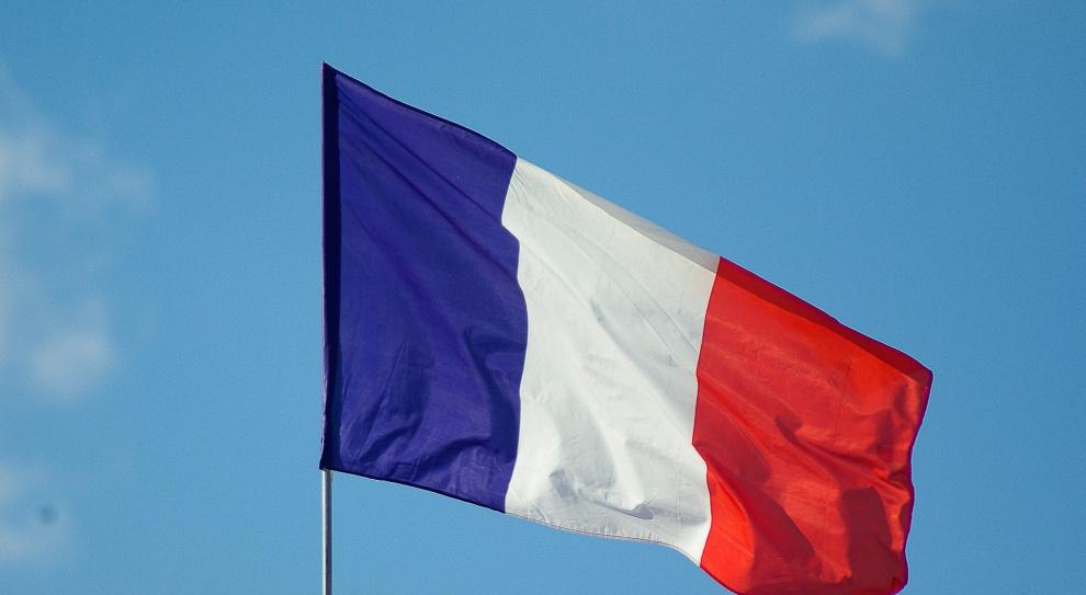 Francja: protest kontrolerów lotów trwa