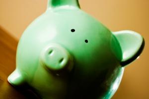 Obniżenie wieku emerytalnego zmusi Polaków do oszczędzania?