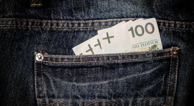 Urzędnicy: Stawki wynagrodzenia dla pracowników samorządowych zostaną ujednolicone?
