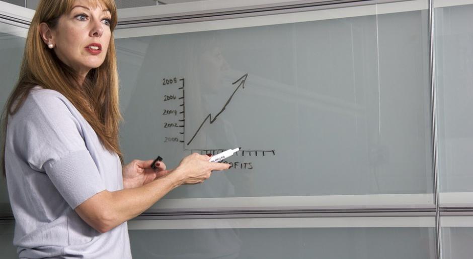 Kobiety na czele firm rekrutują częściej niż mężczyźni