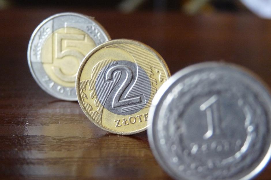 Minimalna płaca godzinowa: 12 zł brutto za godzinę. Sejmowa komisja jest za