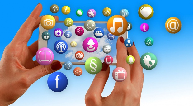 Analityka danych: Firmy stawiają na usługi w chmurze. Gigantyczny boom w branży big data