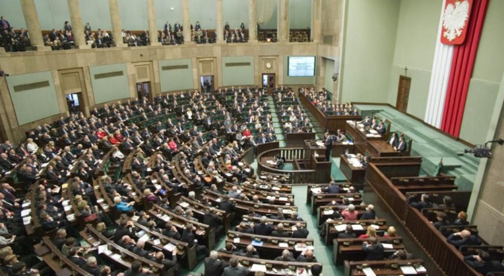 Pracownicy Sejmu na umowach śmieciowych