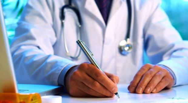 Lekarze nie muszą wypisywać kart kolonijnych