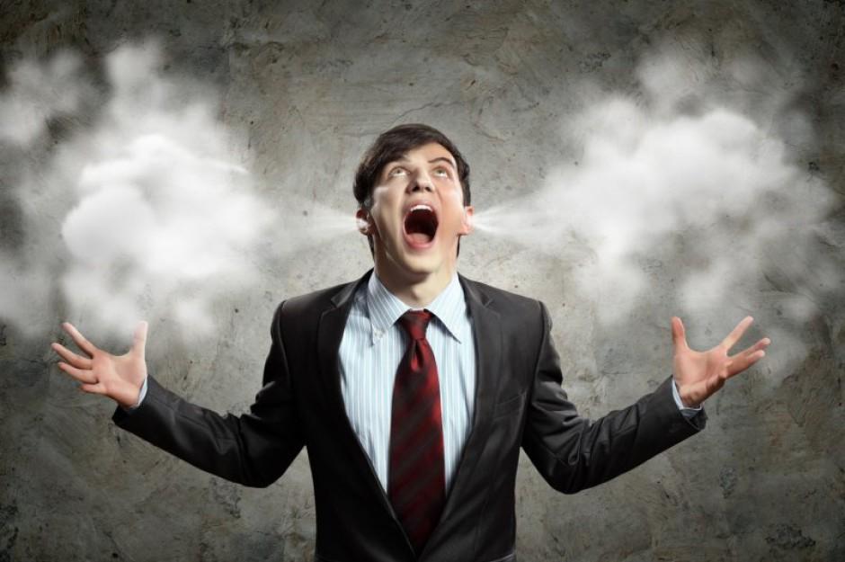 Gwałtowna reakcja może się czasem skończyć dyscyplinarnym zwolnieniem, z którego trzeba będzie się tłumaczyć podczas rozmów o pracę (fot.fotolia)