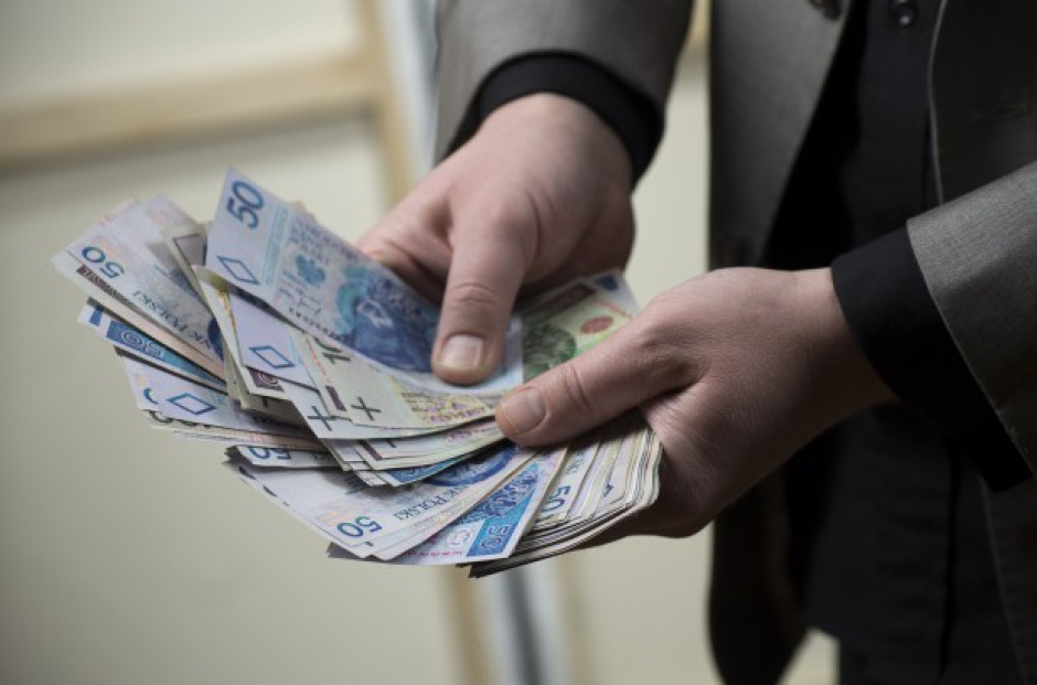 Polacy coraz bardziej zamożni. Dzięki 500 plus i rosnącym wynagrodzeniom