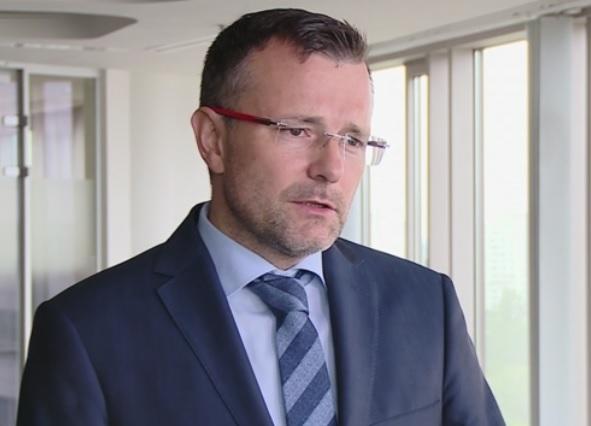 Obecnie specjaliści nie szukają pracy, to praca musi ich znaleźć – tłumaczy Tomasz Szpikowski (fot.newseria.pl)