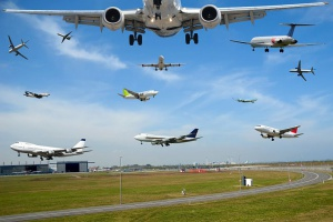 Strajki na lotniskach gorącym tematem wśród internautów