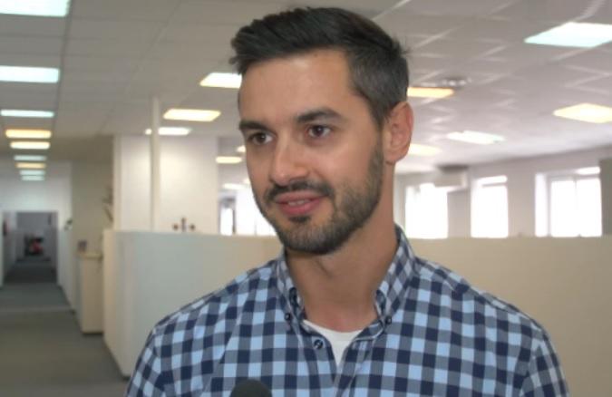 - Chwile, które możemy poświęcić na rzeczy ważne i przyjemne się kurczą – mówi Tomasz Dębowski (fot.newsrm.tv)