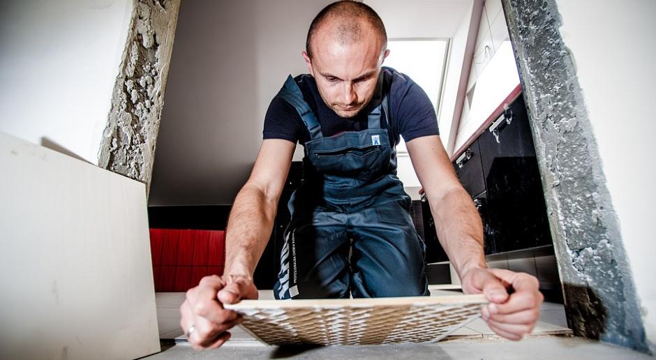 Remonty, praca: W wakacje rośnie zapotrzebowanie na specjalistów od prac remontowych