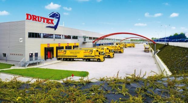 Pomorskie, praca: Drutex zatrudni pracowników w nowej hali Europejskiego Centrum Stolarki w Bytowie