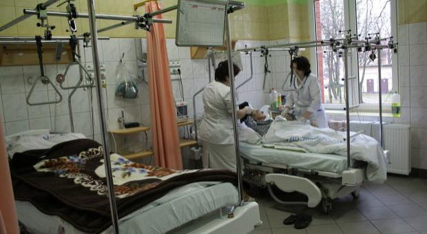 Normy zatrudnienia: Trzeba zwiększyć ilość pielęgniarek i położnych na oddziałach
