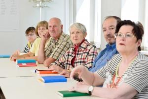 Fundacja PKP chce edukować seniorów
