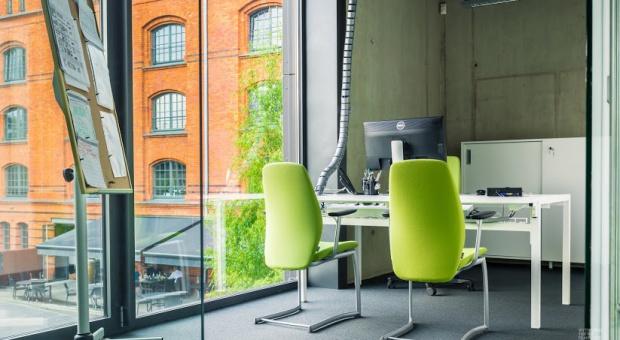Aranżacja biura, MSP: Jak mali pracodawcy dbają o przestrzeń biurową?