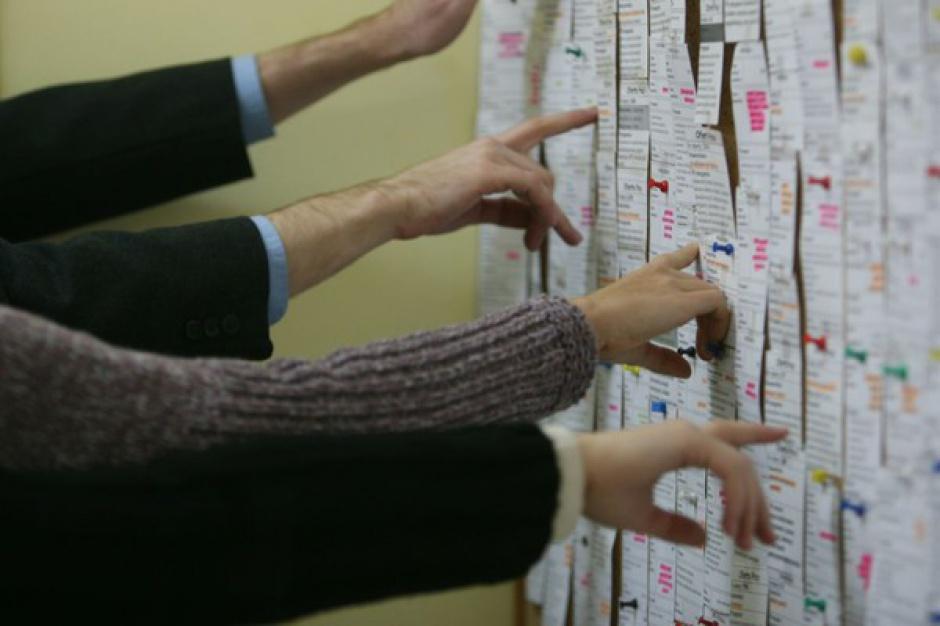 TNS Polska: Według ponad połowy Polaków znalezienie pracy w Polsce jest bardzo trudne