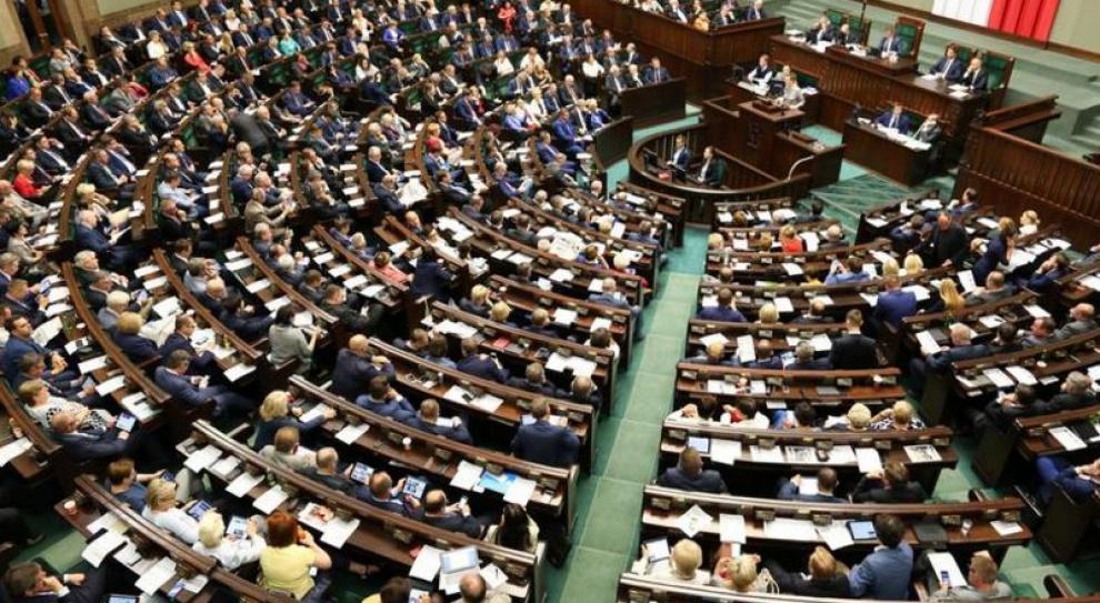Podwyżki dla polityków? Polacy stanowczo sprzeciwiają się