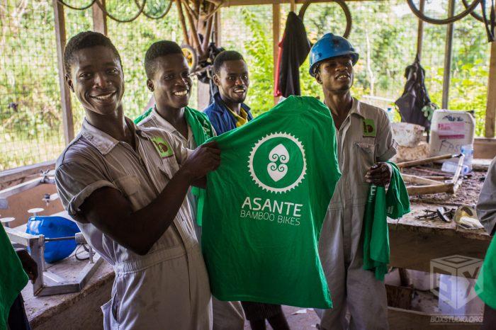 Rowery z bambusa produkowane są w Ghanie. (fot. Asante Bamboo Bikes)
