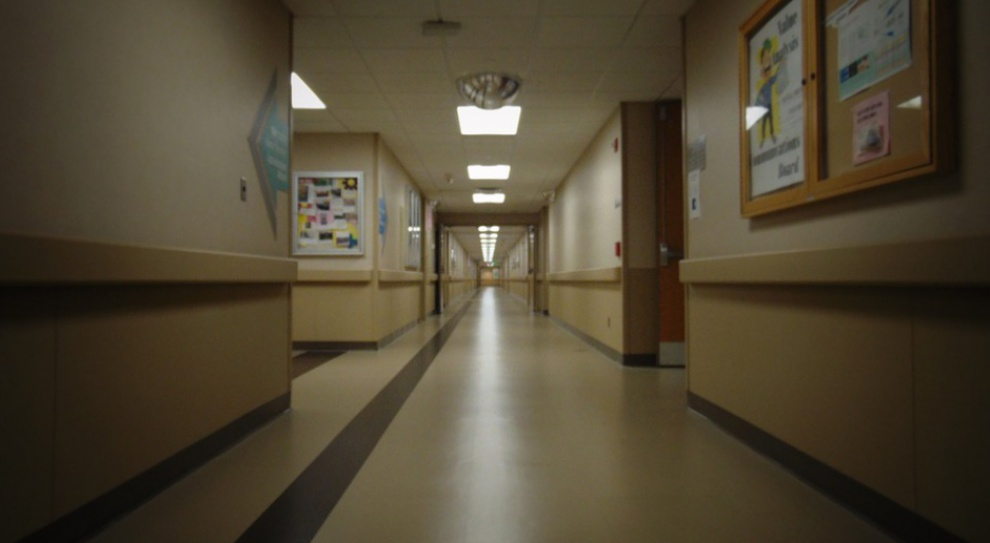 Outsourcing w szpitalu? ZUS przestrzega przed nim