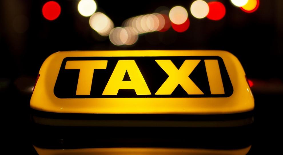 Taksówkarze protestują na ulicach Warszawy