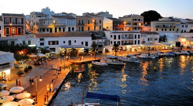 Dzięki zagranicznym turystom spada bezrobocie w Hiszpanii